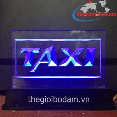 Đèn Led forhire Thành Công màu tím lắp trên xe Taxi tại Vietnam Telecom
