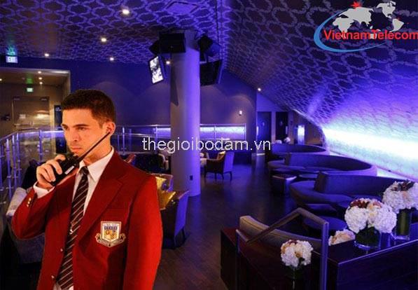 máy bộ đàm cầm tay HYT TC-580 chuyên dùng trong nhà hàng khách sạn