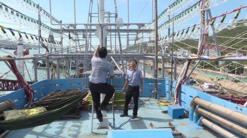 Lắp đặt thiết bị giám sát, hệ thống thông tin liên lạc trên tầu cá
