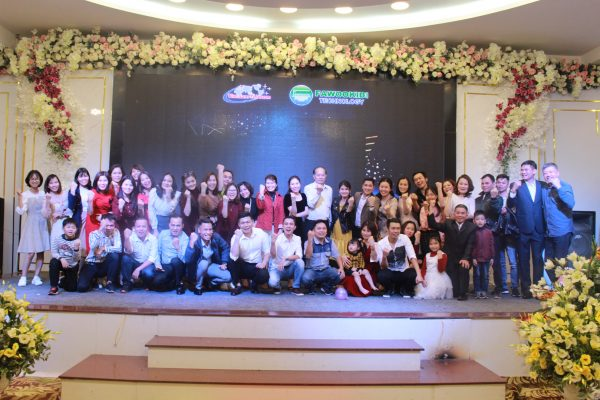 Đội ngũ lãnh đạo và nhân viên Vietnam Telecom